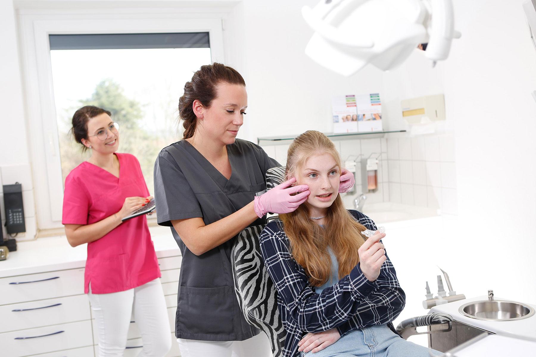 Zahnarzt Göttingen - Kiefergelenktherapie